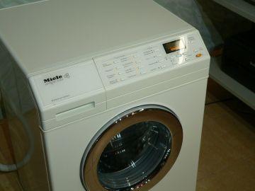 Pračka Miele softronic W 3657, voštinový buben, 1600 otáček