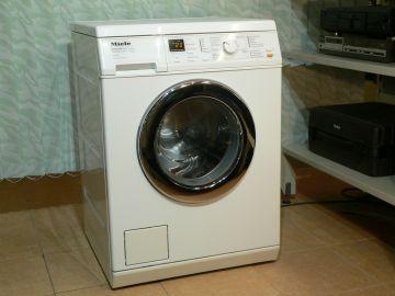 Pračka Miele W 3371 Immer Besser, voštinový buben, 1400 otáček